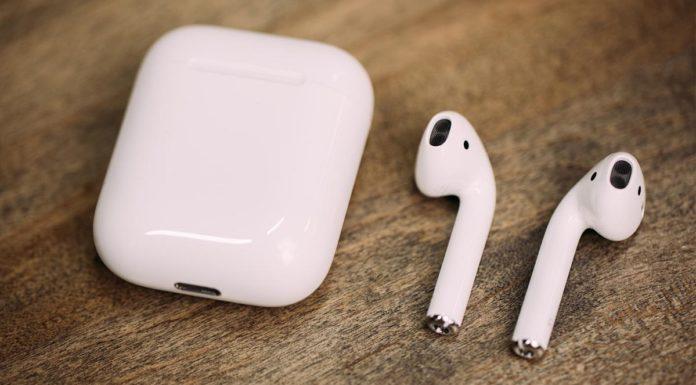 Apple tặng kèm tai nghe AirPods cho khách mua iPhone 8