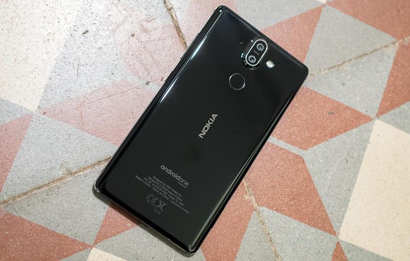 nokia-8-sirocco-black-1 Trên tay và đánh giá nhanh Nokia 8 Sirocco: Một Nokia hoàn khác với màn hình tràn viền