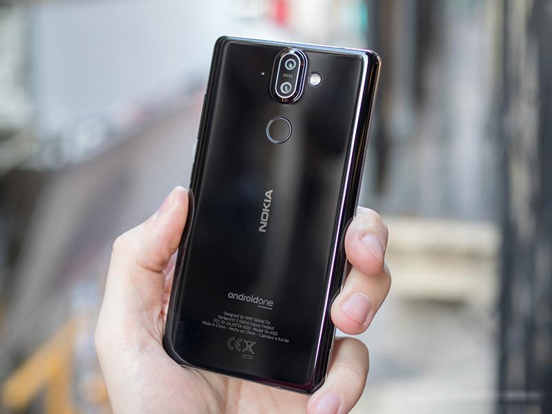nokia-8-sirocco-black-2 Trên tay và đánh giá nhanh Nokia 8 Sirocco: Một Nokia hoàn khác với màn hình tràn viền