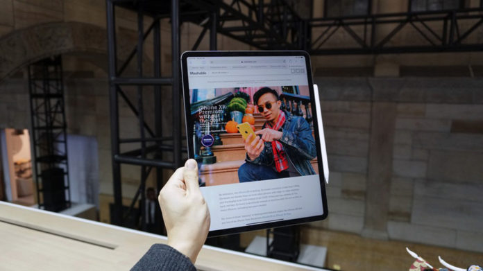 Sửa iPad Pro 2018 đắt ngang mua iPhone 8 hoặc iPad Pro 10.5 inch