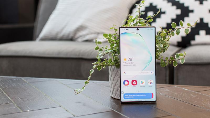 do-phan-giai-man-hinh-galaxy-note-10-1 Đừng coi thường Galaxy Note 10 với màn hình FullHD+, Samsung tính cả rồi