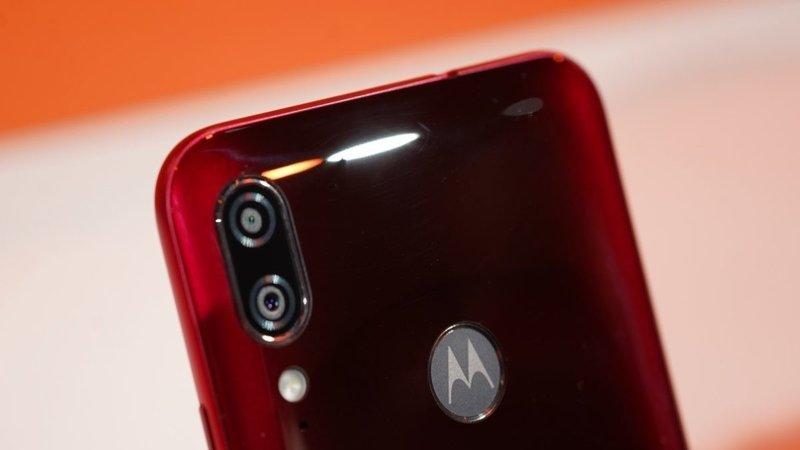 """moto-e6-plus-ra-mat-3 [IFA 2019] Motorola trình làng Moto E6 Plus: màn hình 6.1"""", Helio P22, camera kép"""