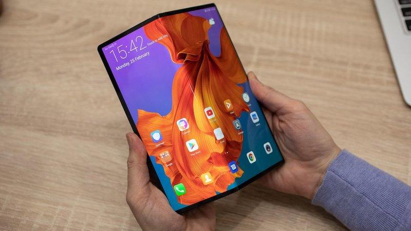 huawei-mate-x-5g-2 Huawei Mate X 5G bán hết trong chưa đầy một phút khi xuất hiện tại Trung Quốc