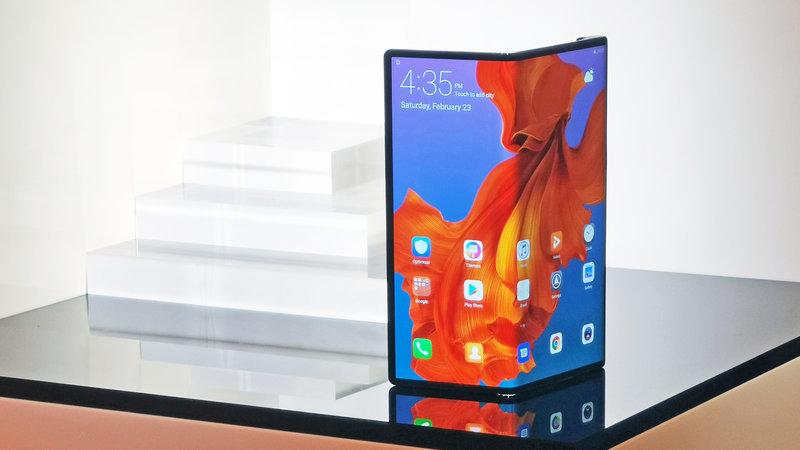 """huawei-ra-mat-dien-thoai-gap-4 Huawei dự định sẽ ra mắt chiếc điện thoại """"gập"""" giống Motorola Razr 2019"""