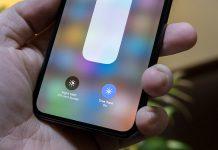 Màn hình iPhone bị đổi màu