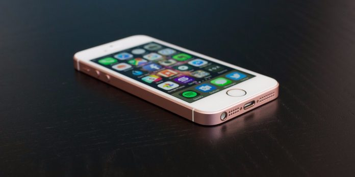 iPhone SE ra mắt