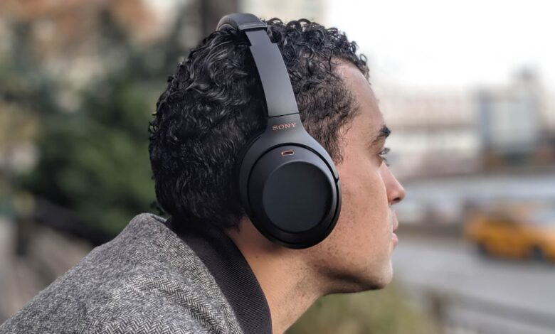 ra mắt tai nghe WH-1000XM4