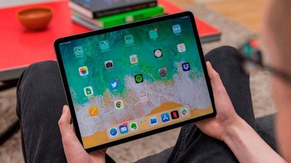 iPad có thể gập lại