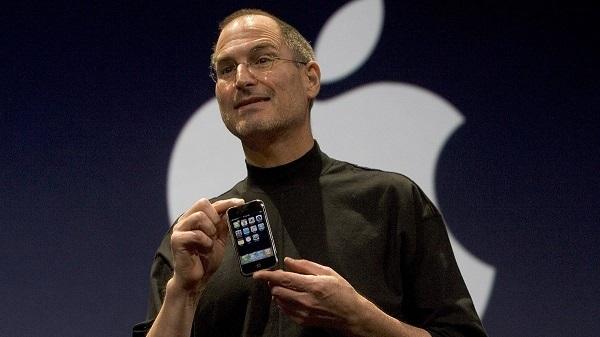 iPhone 12 ra mắt