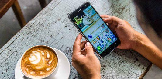 meo-su-dung-smartphone-1