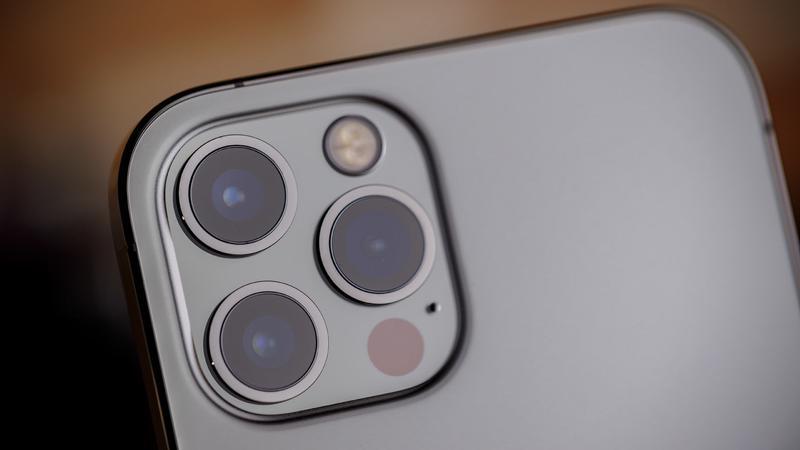 ro-ri-apple-bat-tay-samsung-ra-mat-iphone-lens-periscope-moi-2