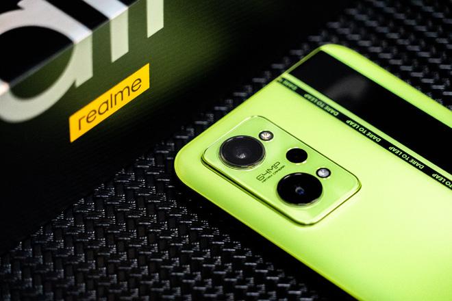 samsung-s22-va-iphone-13-3
